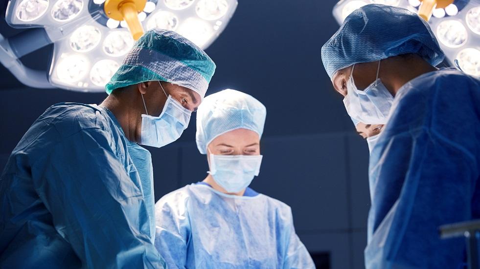 éviter la chirurgie chez les enfants en cas de pathologies liées au sport comme osgood schlatter et sever